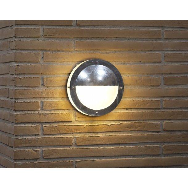 Malte Halvskærm Væglampe